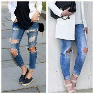 Zara Distressed Boyfriend Jeans 👖